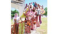 Zanzibar womens taurist